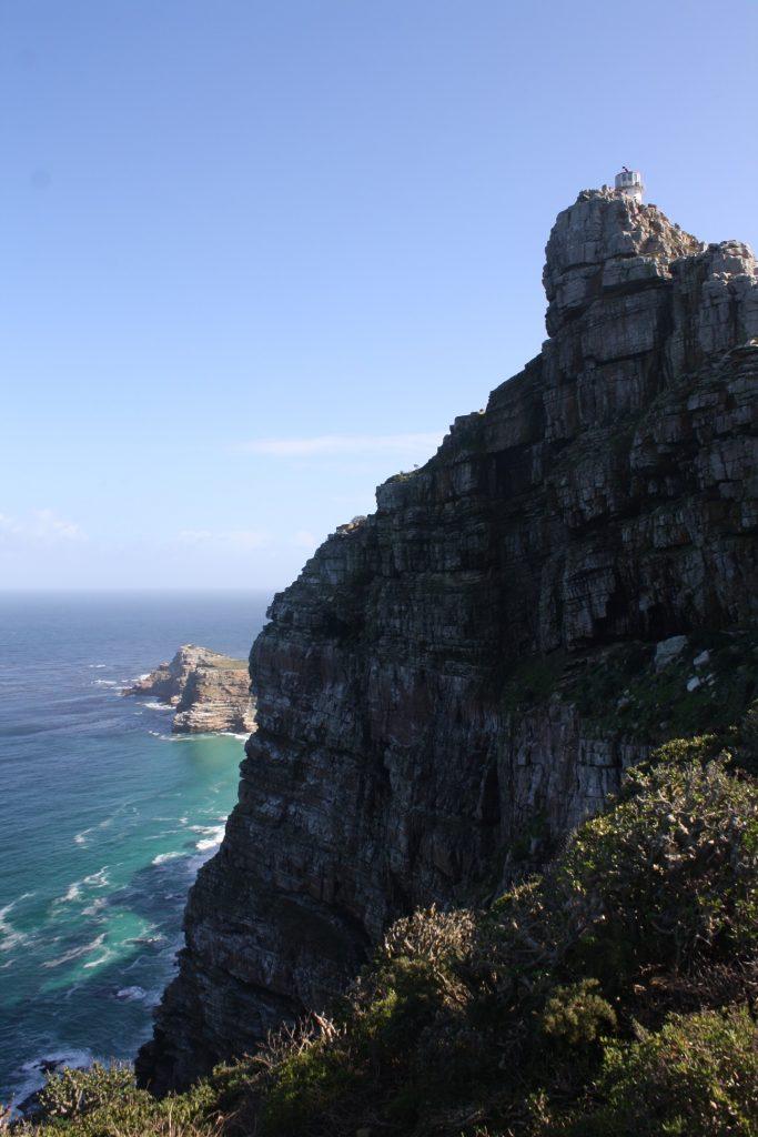 Cape point e ao fundo o Cabo da Boa esperança