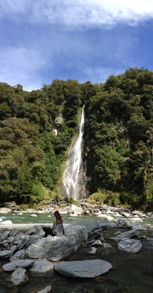 Thunder_Creek_Falls_Ilha_Sul_da_Nova_Zelândia