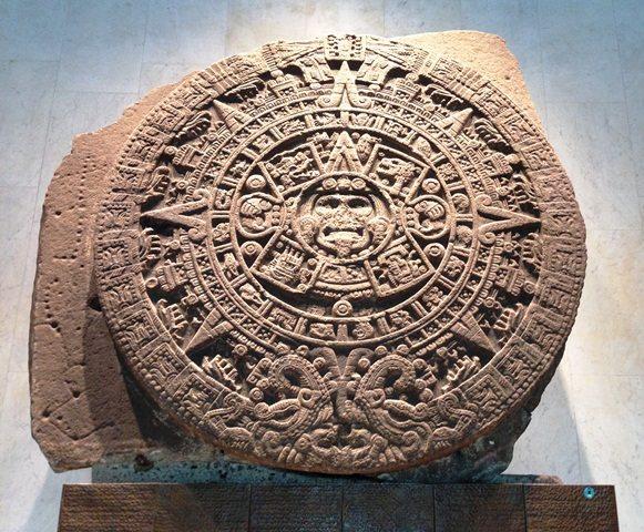 Piedra_del_Sol_Calendario_Asteca