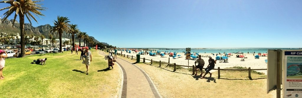 panoramic_view_camps_bay